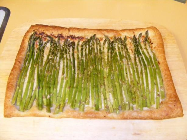 Asparagus and Gruyere Tart | Recipe