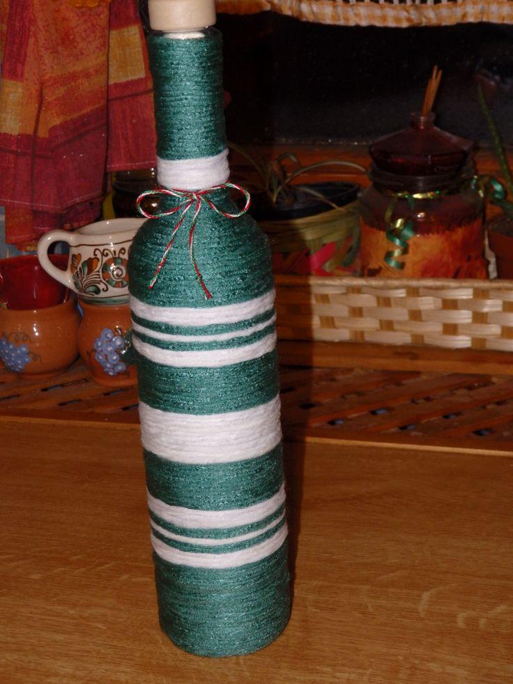 Zöld-fehér csíkos üveg