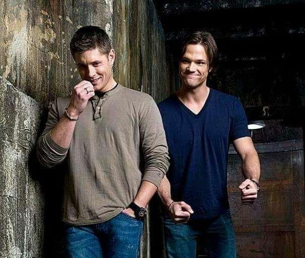 Supernatural: Jensen and Jared.