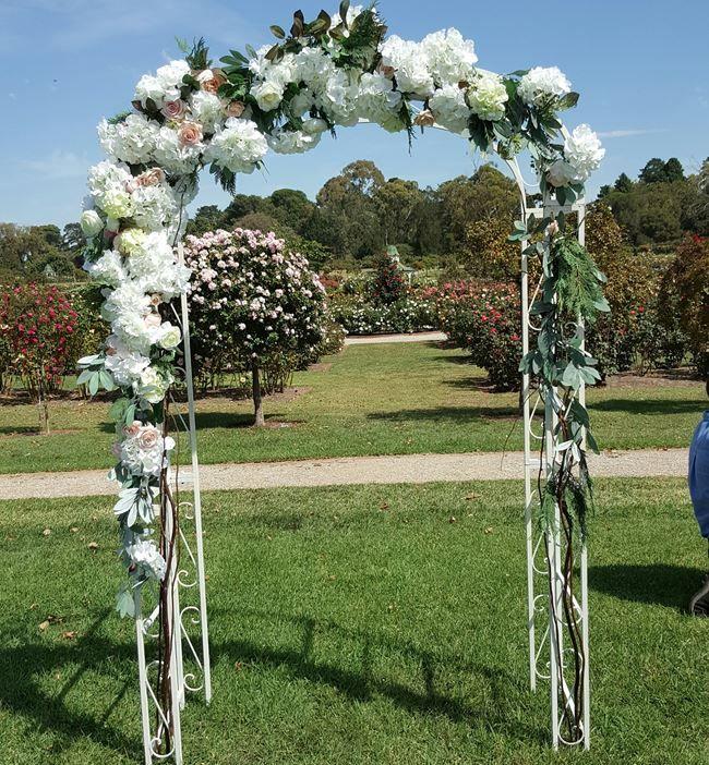 Wedding Arch Decorations Hire: Best 25+ Metal Wedding Arch Ideas On Pinterest