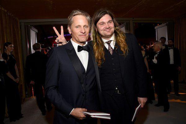 Viggo Mortensen y su hijo Henry Mortensen