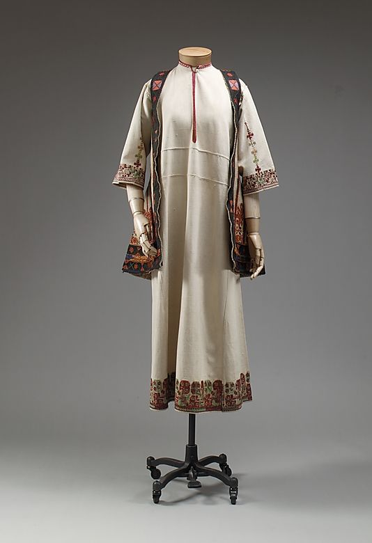 Ensemble       1890–1925 ,     Greek ,     linen, wool