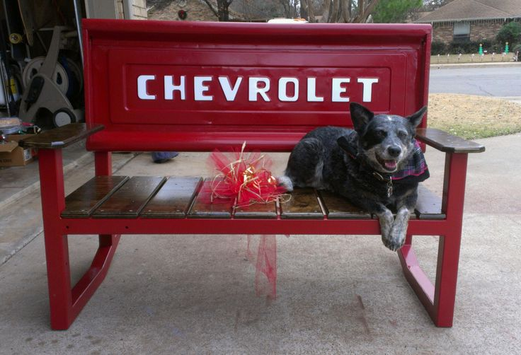 Another pic of the tailgate bench, so proud of this one!!!