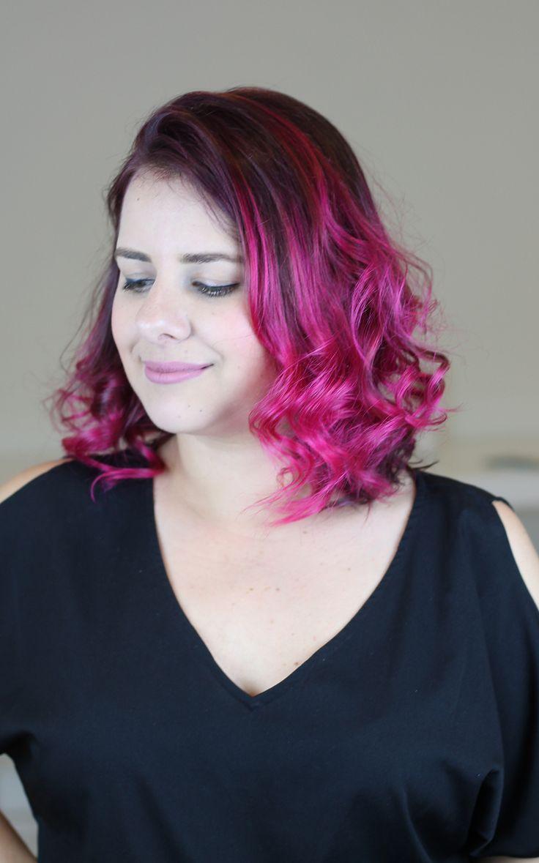 Tutorial em vídeo de como pintar o cabelo de rosa em casa sozinha, muito fácil!!!! Dicas de como fixar mais a cor nos cabelos.  Usei para colorir os cabelos a tinta sem amônia Urban Purple da linha Hard Colors da Keraton.  Cabelo pink lindo. Cabelo rosa perfeito. Cabelo colorido.