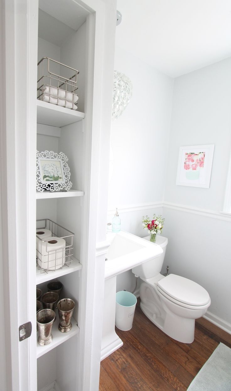 116 best images about black white bathrooms on pinterest for Half bathroom designs small spaces