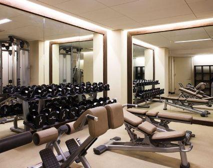 Mejores 12 im genes de espejos en pinterest espejos sala de gimnasio y dise o de gimnasio - Espejos para gimnasios ...