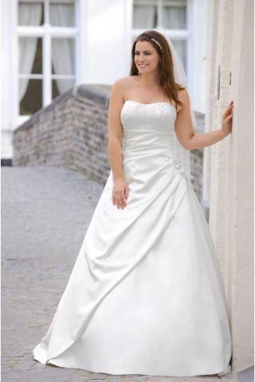 38 best Brautkleider images on Pinterest | Short wedding gowns ...