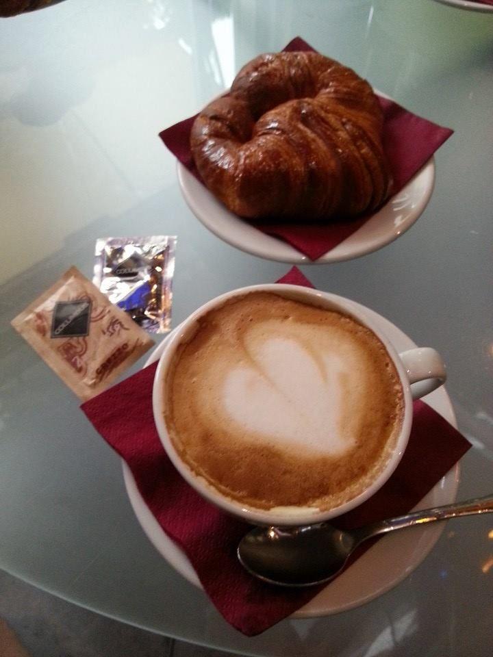 Un cappuccino con amor. #BambiniAllaModa #ModaInfantil #AltaModaInfantil