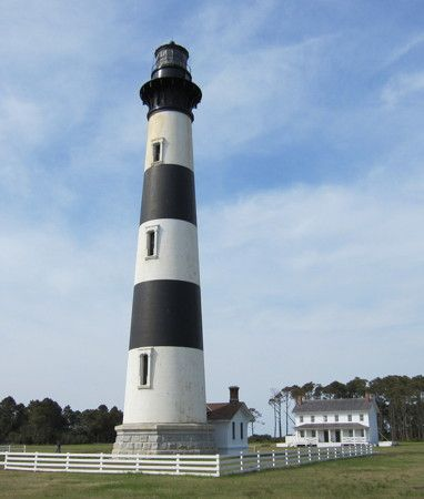 Bodie Island Light, Nags Head, North Carolina, U.S.A., April 2011  Flickr Creative Commons photo by Chris M