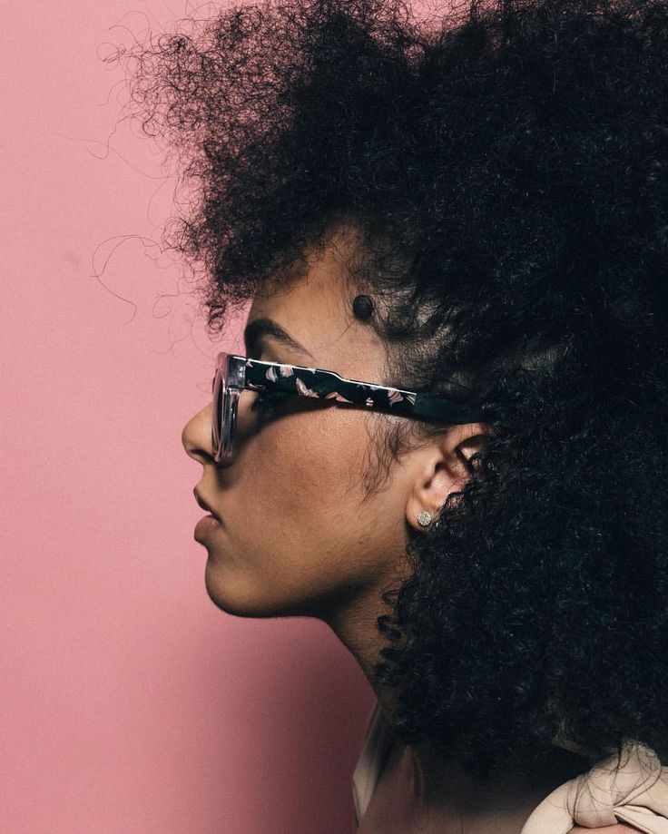 Via - COCO AND BREEZY EYEWEAR (@cocoandbreezy) on Instagram: Texture. Afro hair. Afro curls. Frizz. Frizzy curls. Natural hair. Kinky curly hair. Textured hair. Afro-textured hair.