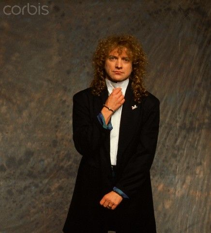 01.05.1990, Lou Gramm, lead singer of the rock band Foreigner, at the John Lennon Tribute Show in 1990.photo Neal Preston Lokalizacja:Liverpool, Merseyside, England, UK