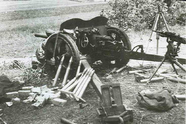 nebelwerfer: Canon antichar de 47 mm modèle 1937 - Cannone anti...