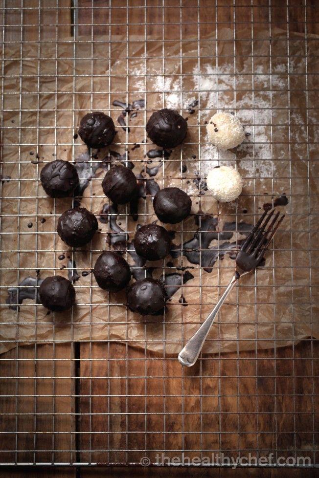 Sugar Free Protein Balls With Vanilla + Coconut