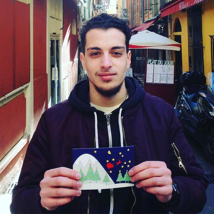 A Moving Card for the handsome François #movingcards #1card1day  #noel #christmas #sharelove #maker #cartepostale #card #postcard #greetings #greetingscard #etsy #etsyshop #etsysellersofinstagram #madeinfrance #nice #paris #smallbiz #illustration #illustrationoftheday