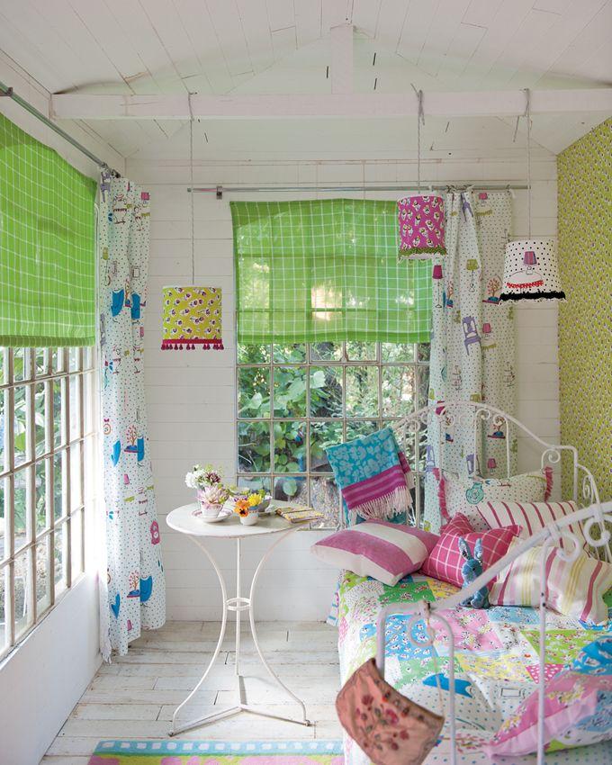 Google Image Result for http://yupiu.com/wp-content/uploads/2012/07/Turquoise-Pink-Girl-Bedroom-Ideas-2.jpg