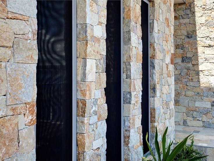Eco Outdoor Coolum random ashlar walling, Crisilis Architects.| Eco Outdoor | livelifeoutdoors | Outdoor design | Natural stone walling  | Luxury homes | Outdoor luxury | Retaining wall | Stone veneer | Stone walling | Stone cladding | Coolum stone walling