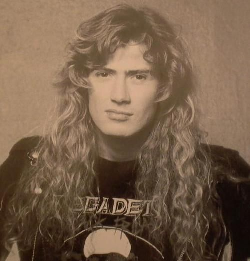 Dave Mustaine #Megadeth There's always been sumthin about that snarl.