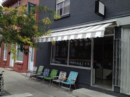 Café-boutique Brooklyn situé dans le quartier Mile-End à Montréal.