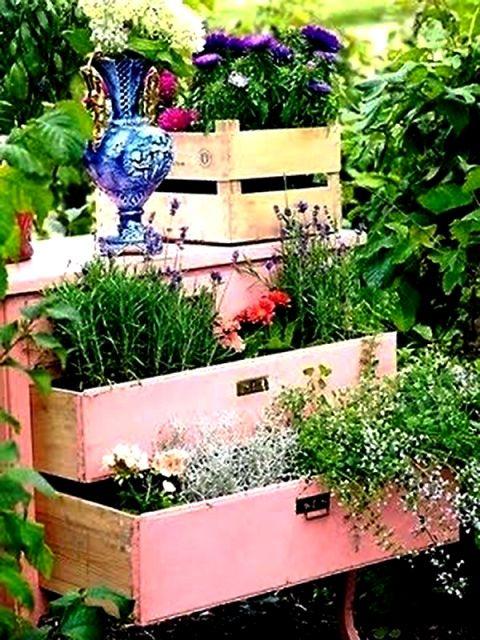 Come fare un orto verticale sul balcone. Foto e istruzioni da realizzare www.donnaclick.it - Donnaclick