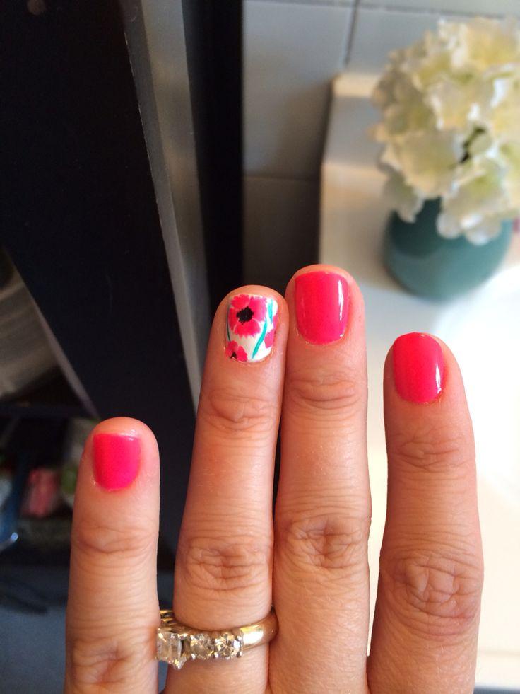 Poppy nails!