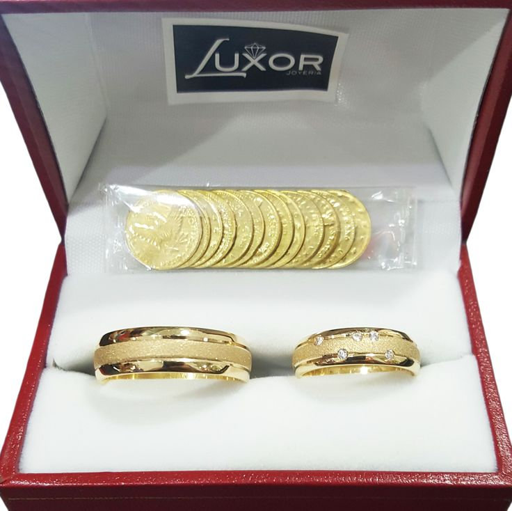 Argollas en oro de 18K. Argolla dama con circones o diamantes.
