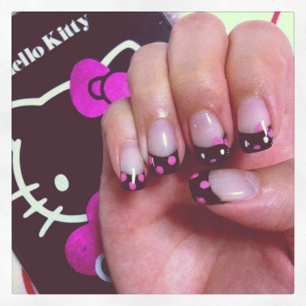 ¿Te atreverías a usar estas uñas Hello Kitty?