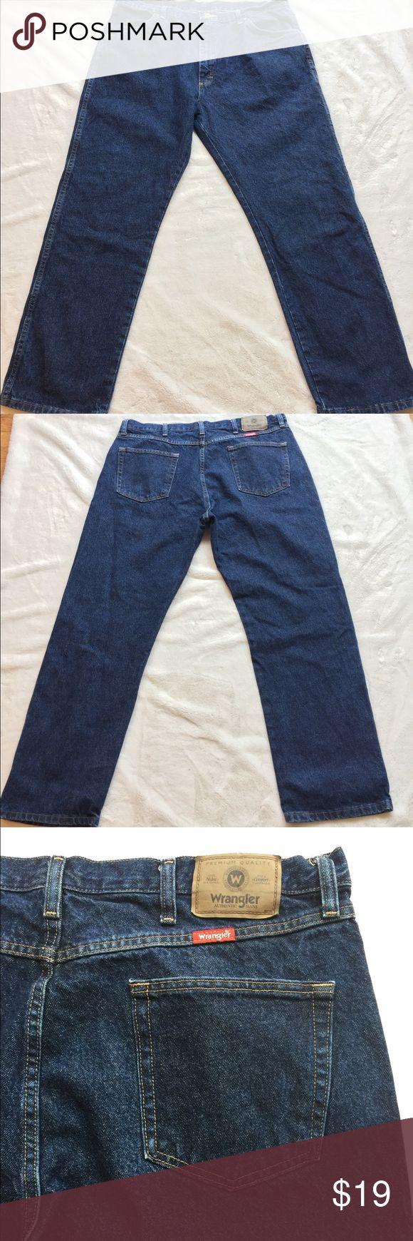Wrangler jeans regular fit. 40/30 Great preworn condition.  Medium wash. Please enlarge photos for close up of jeans for any blemishes. Wrangler Jeans Straight