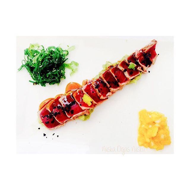 Tuna tataki - Tataki de atún ...  by nujki
