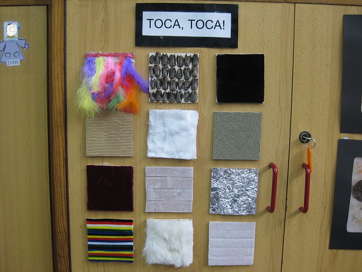 Different squared textures for tactile exploration from http://elpavellodinfantil.blogspot.com.es/