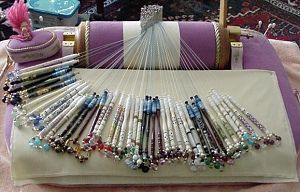 Beginners guide to bobbin Lacemaking. I WISH I had the time to make lace. That would be awesome.