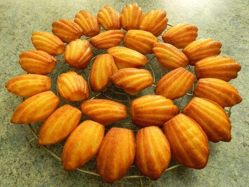Madeleines au miel - Recette de cuisine Marmiton : une recette