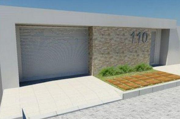 Inspiração: Muro com detalhe revestido de canjiquinhas e portão vazado tipo…