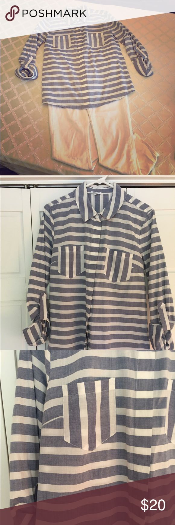 Splendid blue and white striped shirt Splendid blue and white striped shirt with hidden buttons. Hits mid to upper thigh. Perfect with white jeans or leggings! Splendid Tops Button Down Shirts