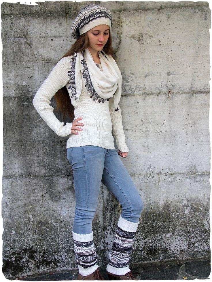 Pullover Bella abbinato a cappello, scaldamuscoli, e sciarpa #modaetnica #ethnicalfashion #alpacaswhool #lanadialpaca #peruvianfashion #peru #lamamita #moda #fashion #italianfashion #style #italianstyle #modaitaliana #lamamitafashion