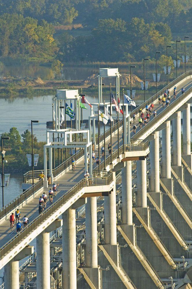 Big Dam Bridge, Arkansas River, Little Rock & North Little Rock, Arkansas, USA