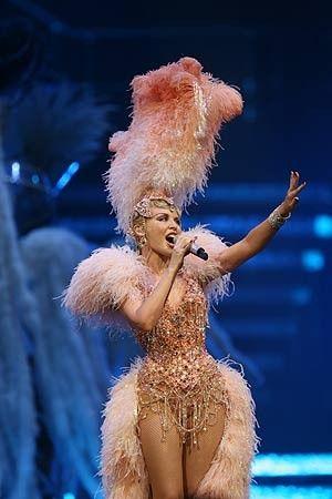 kylie minogue - showgirl pink