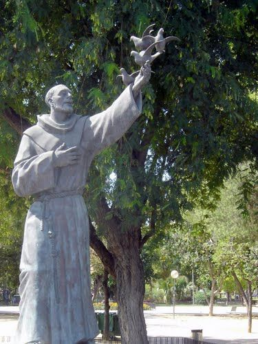 Murcia - St Francis of Assisi statue photo by Robert Bovington blog: http://bobbovington.blogspot.com.es