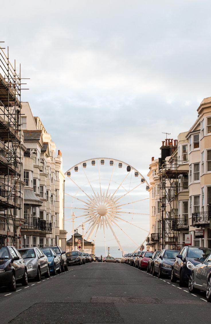 Brighton Wheel Brighton, England Dieses enorme Riesenrad bietet eine atemberaubende Panoramaaussicht über die Küste und die umliegende Region. Foto von Jennifer Chong - Mehr Informationen