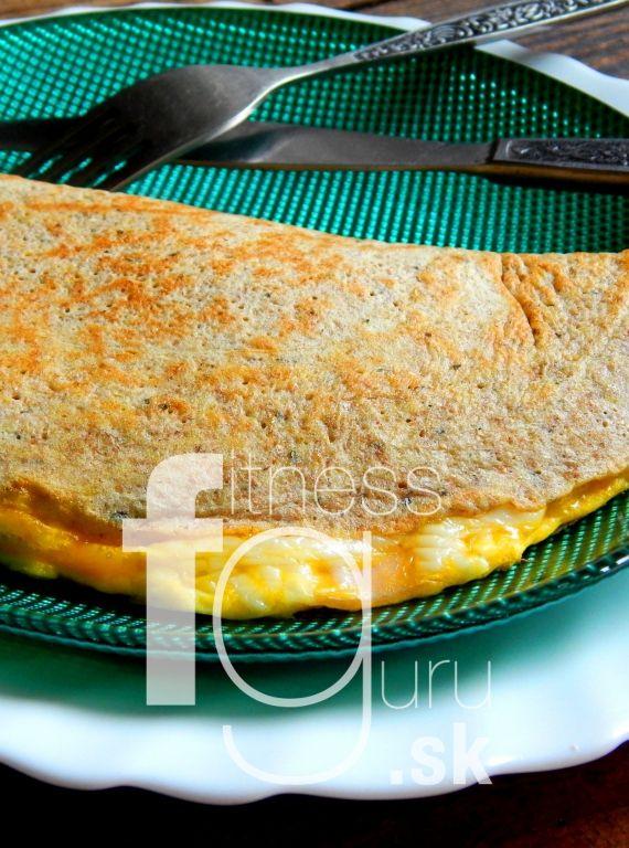 Raňajková palacinka plnená šunkou a syrom