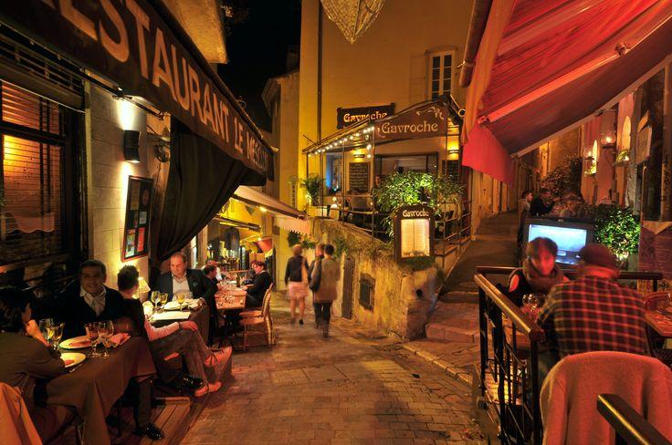Rue du Suquet à Cannes à 30 mètres de l'hotel Olivier Cannes