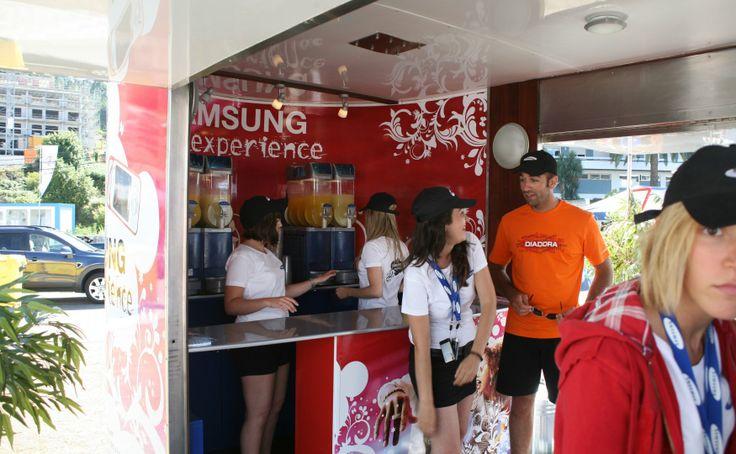 Stand punto de encuentro en #Moviplaya. #SAMSUNG  #marketing #streetmarketing #publicidad #movilbus