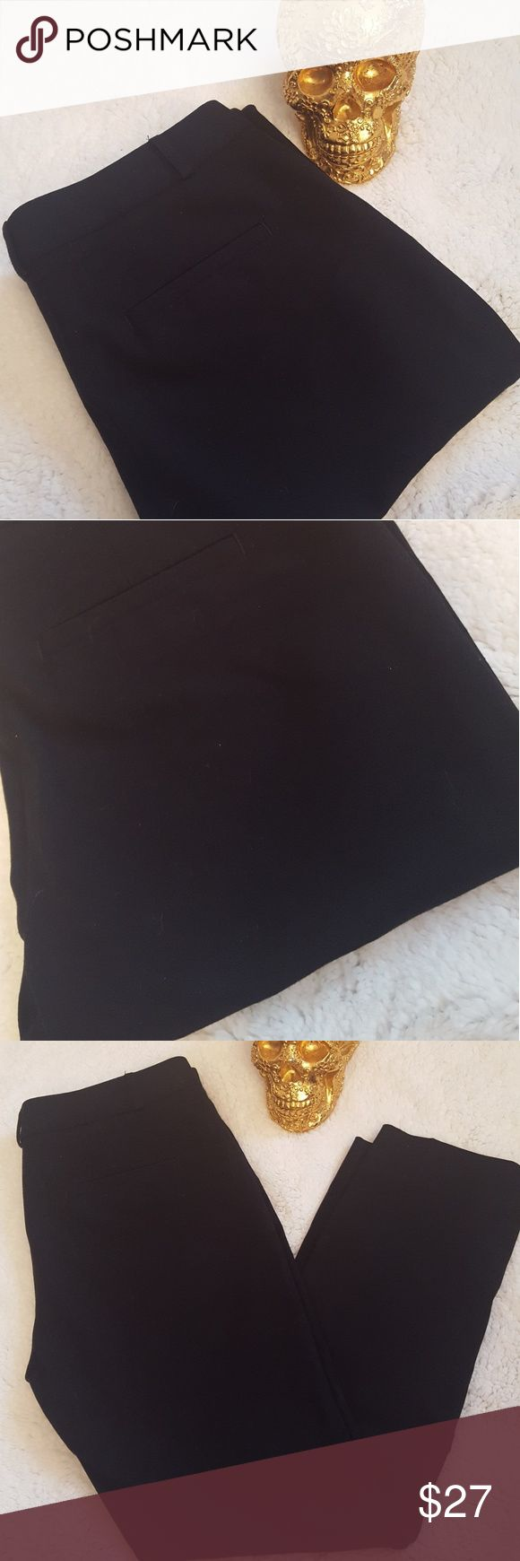 Banana Republic Black Dress Slacks Pants Black straight leg dress slacks pants from Banana Republic. Very classy. Has front crease in them. Look like maybe they have not been worn at all. Size 6. Non smoking home. Banana Republic Pants Straight Leg