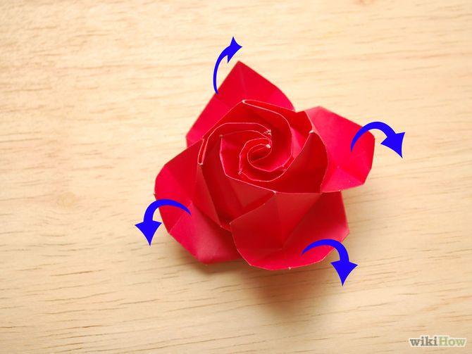 Aprende a hacer una rosa de papel vía es.wikihow.com