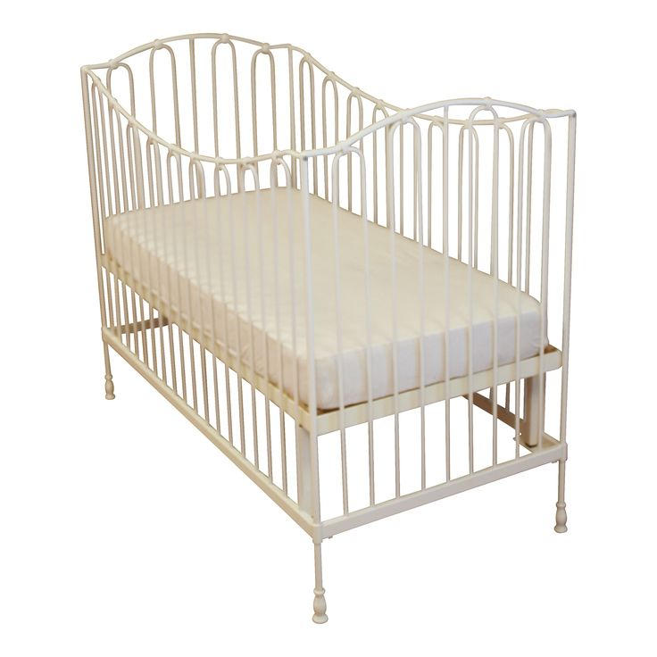 Baby Bed Torino   #fabsworld #metalenbabybedje #metalenbed #ijzerenbed #smeedijzeren bed #metalen ledikant #metalen bed #gietijzeren bed # vintage bed #nostalgische bedden #iron cot #iron bed #  romantische bedjes #metalen ledikantje  shop: www.metalenbabybedje.nl brand: Fabs World The Netherlands