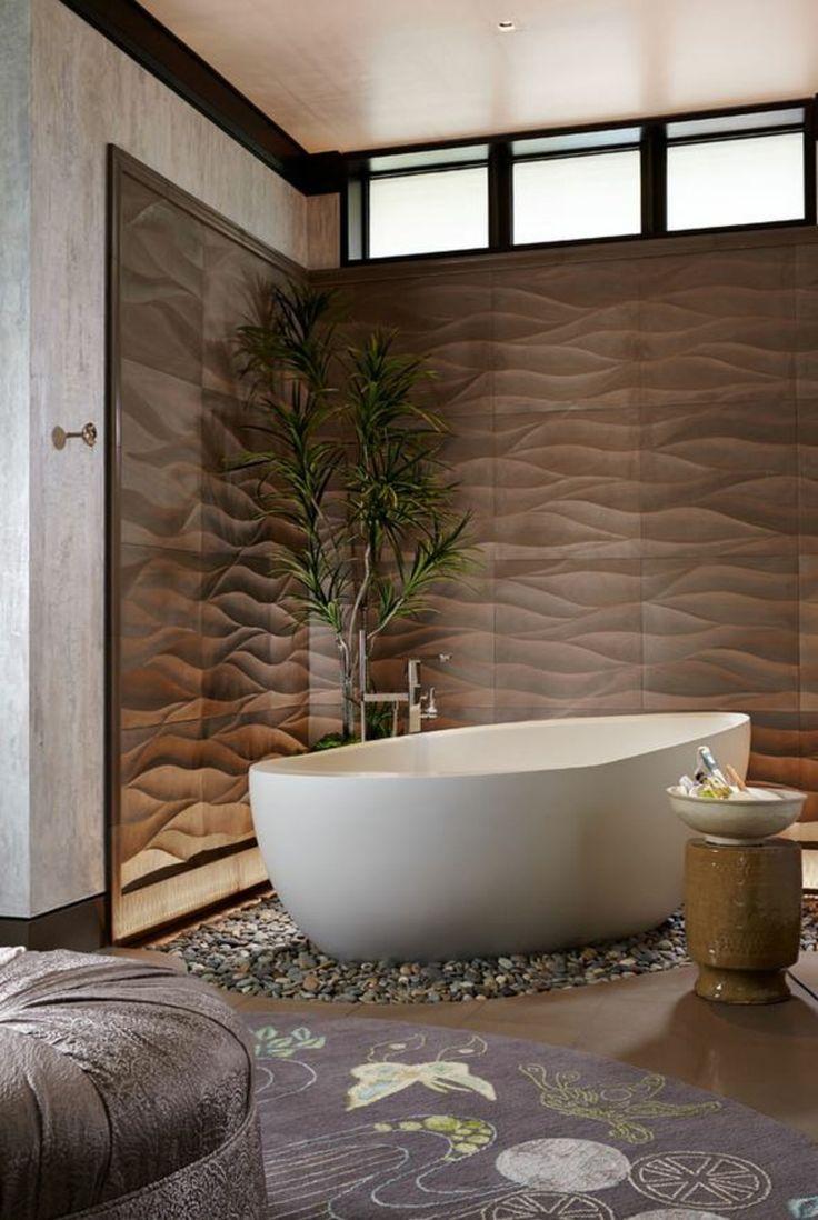 Baignoire au design zen dans un décor digne d'un centre spa