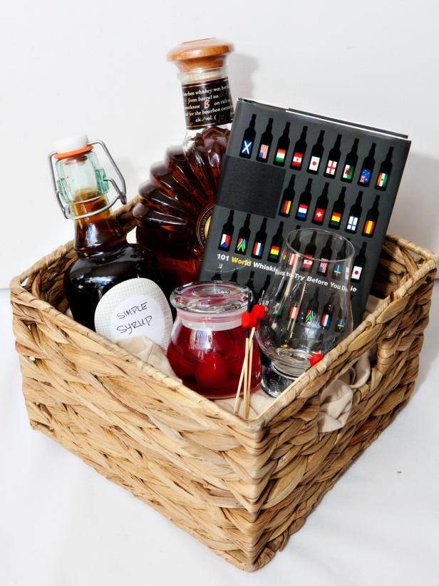 10 best ideas about homemade gift baskets on pinterest for Homemade christmas gift basket ideas