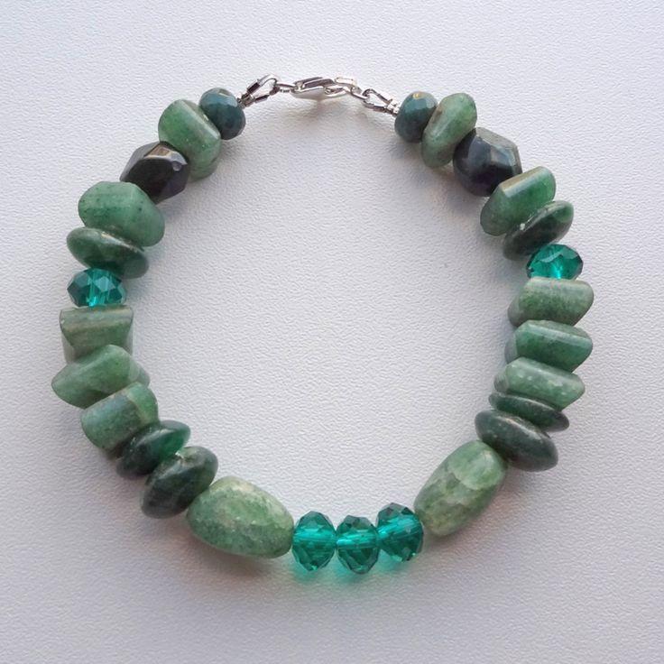 Armband  van groene natuursteen en kristal kralen