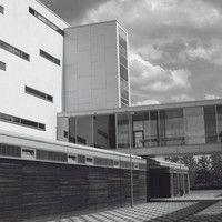 """IT-Forensic Engineering (B.Sc.)   WINGS Fernstudium an der Hochschule Wismar Das Fernstudium Forensic Engineering wird Sie befähigen, mit dem gesamten thematischen Spannungsbogen """"Cybercrime"""" umzugehen. Dies gilt sowohl für die zahlreichen informationstechnischen Aspekte, aber auch für die rechtlichen, kriminalistischen und ethischen Fragestellungen, die das Phänomen Cybercrime aufwirft."""