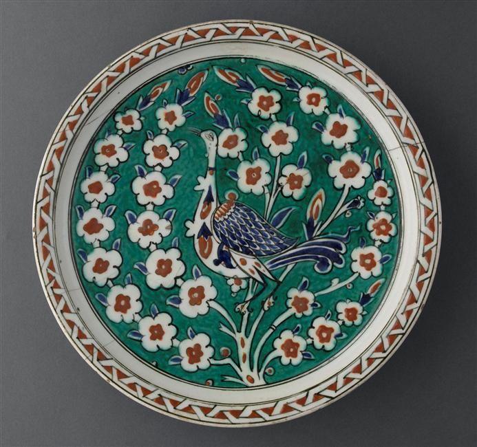 Plat à l'oiseau vers 1585 Turquie, Iznik Céramique, décor peint sous glaçure