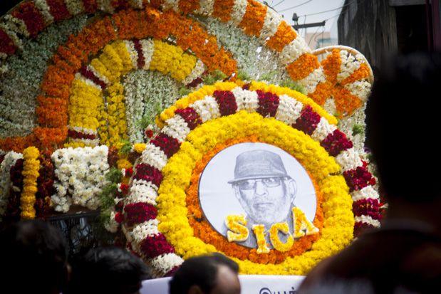 Dir Balu Mahendra's funeral procession.